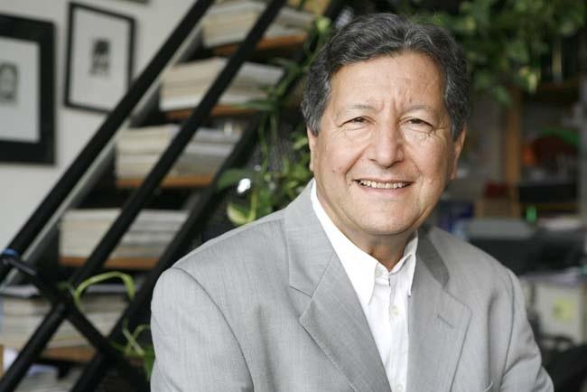La Universitat de València investirá a Sami Naïr como doctor »honoris causa»