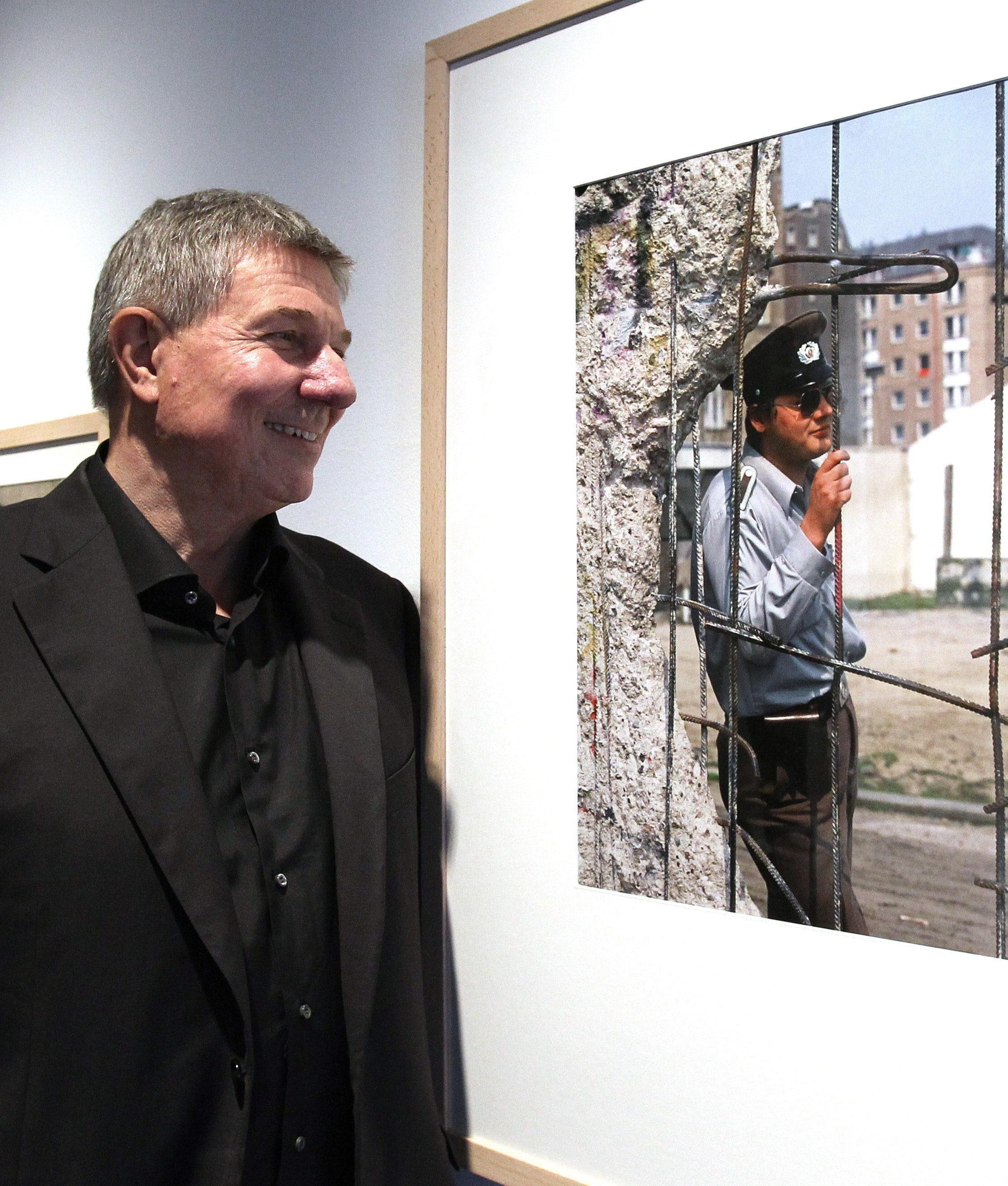 El fotógrafo Daniel Biskup evoca el histórico derribo del Muro de Berlín