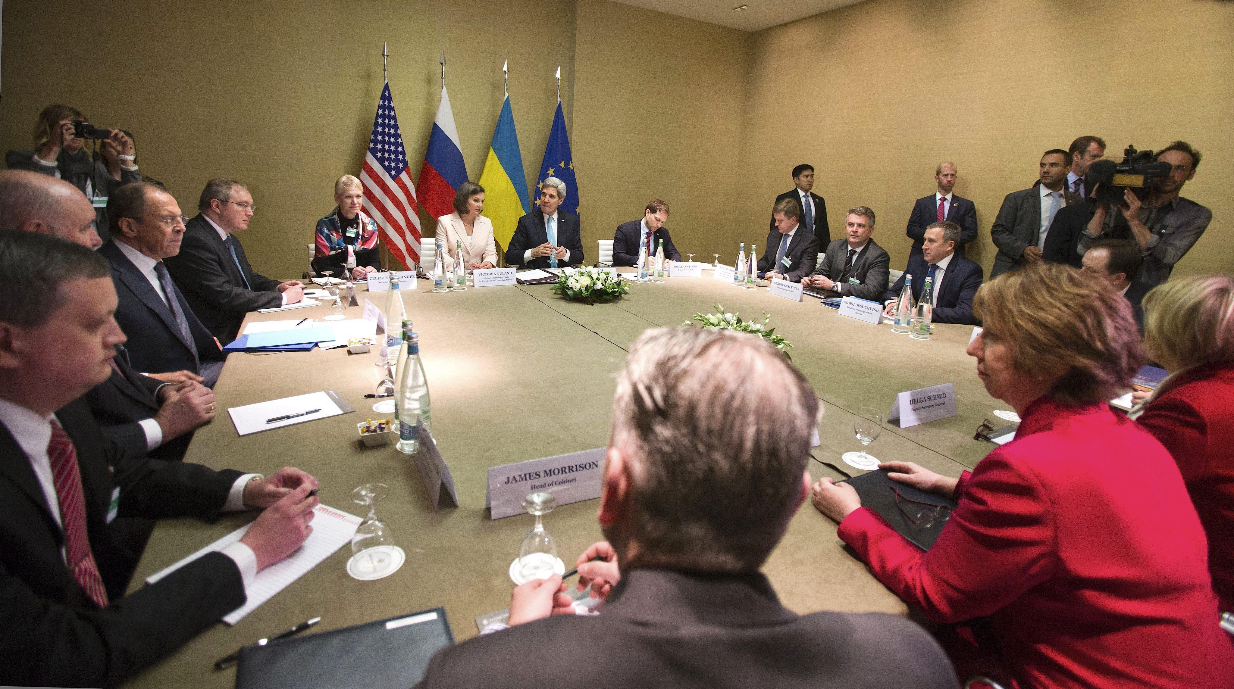 Estados Unidos, Rusia, Ucrania y la UE establecen la hoja de ruta para resolver la crisis