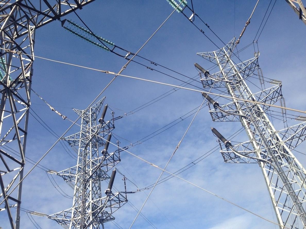 El Gobierno niega que las medidas de fiscalidad de la energía perjudiquen a la competitividad empresarial