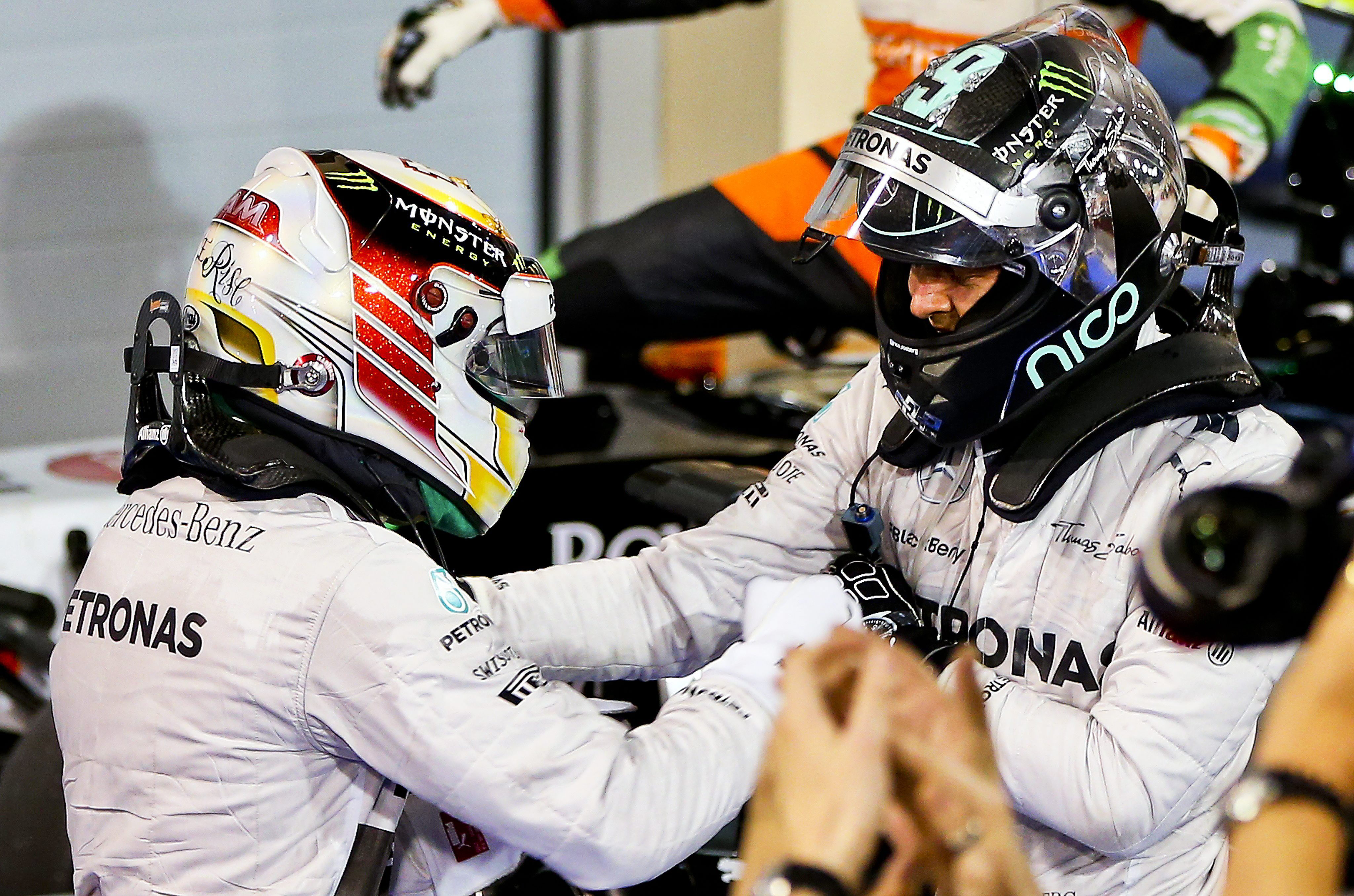 Rosberg y Hamilton dan el tercer doblete a Mercedes y se »disparan» hacia el Mundial