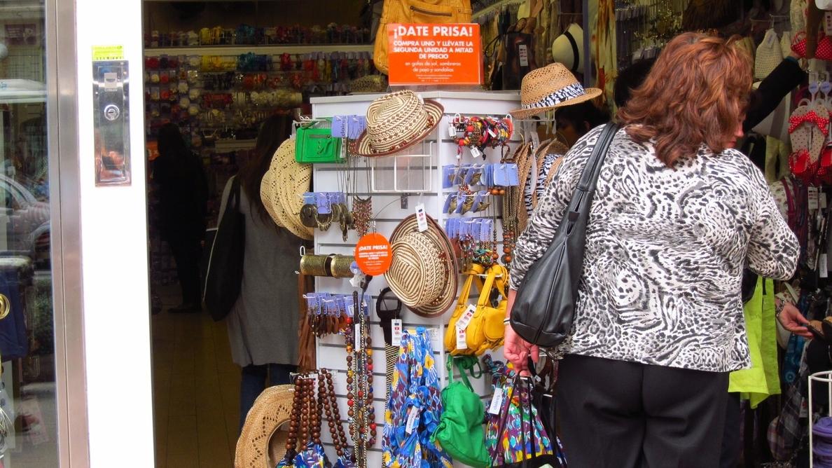 Inspeccionados 197 establecimientos comerciales cántabros de 19 localidades