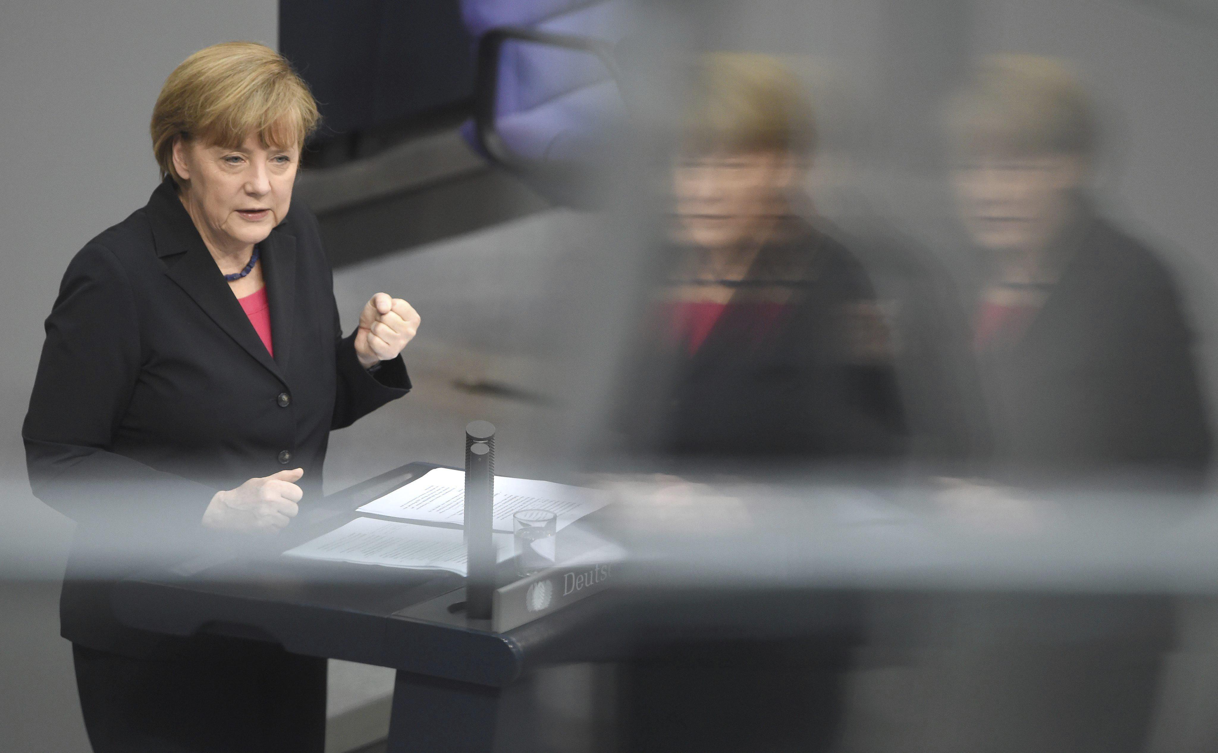 Alemania »calienta» a Draghi para que el BCE compre bonos