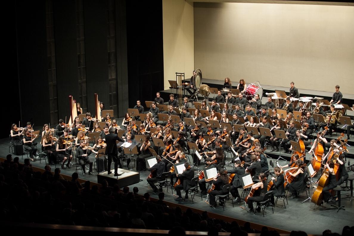 La OJA celebra los 20 años de su creación con un concierto este lunes en el Teatro de la Maestranza