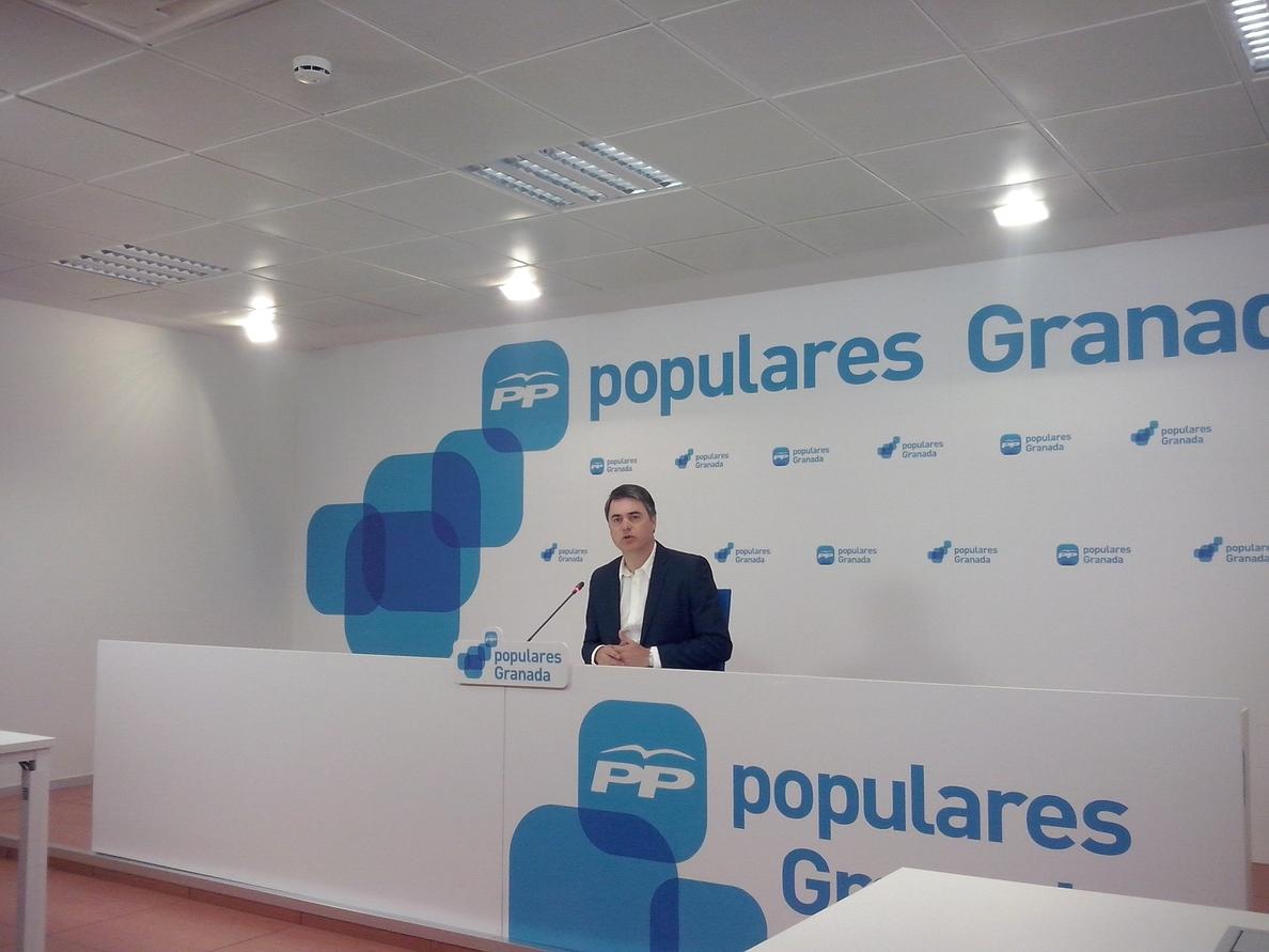 Rojas (PP-A) reclama explicaciones a Díaz en el Parlamento sobre el «escándalo del fraude» en los fondos de formación