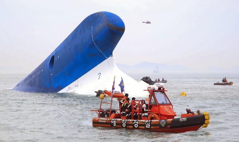 Ya son 64 los fallecidos en el naufragio del ferry Sewol y 244 desaparecidos