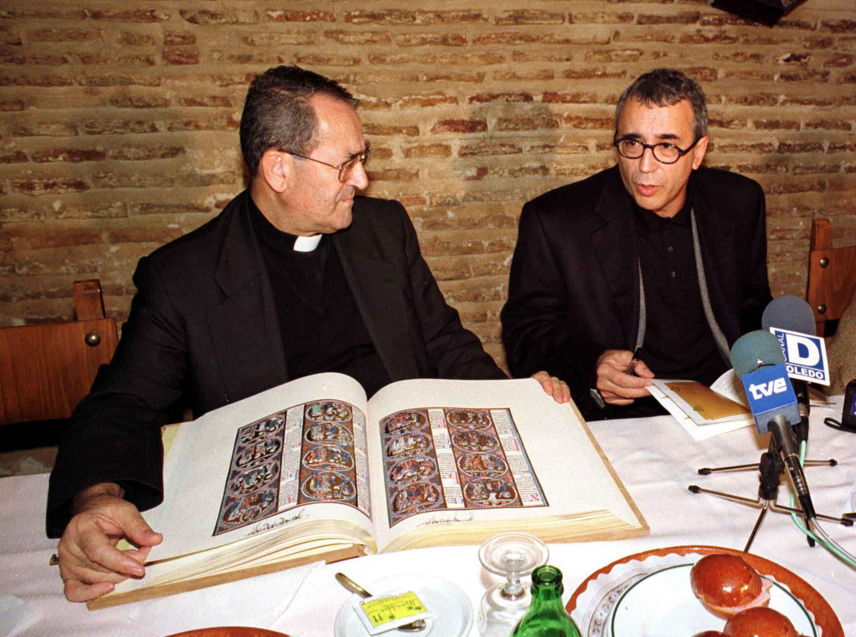 La «Biblia de San Luis», la joya bibliográfica que guarda la Catedral de Toledo