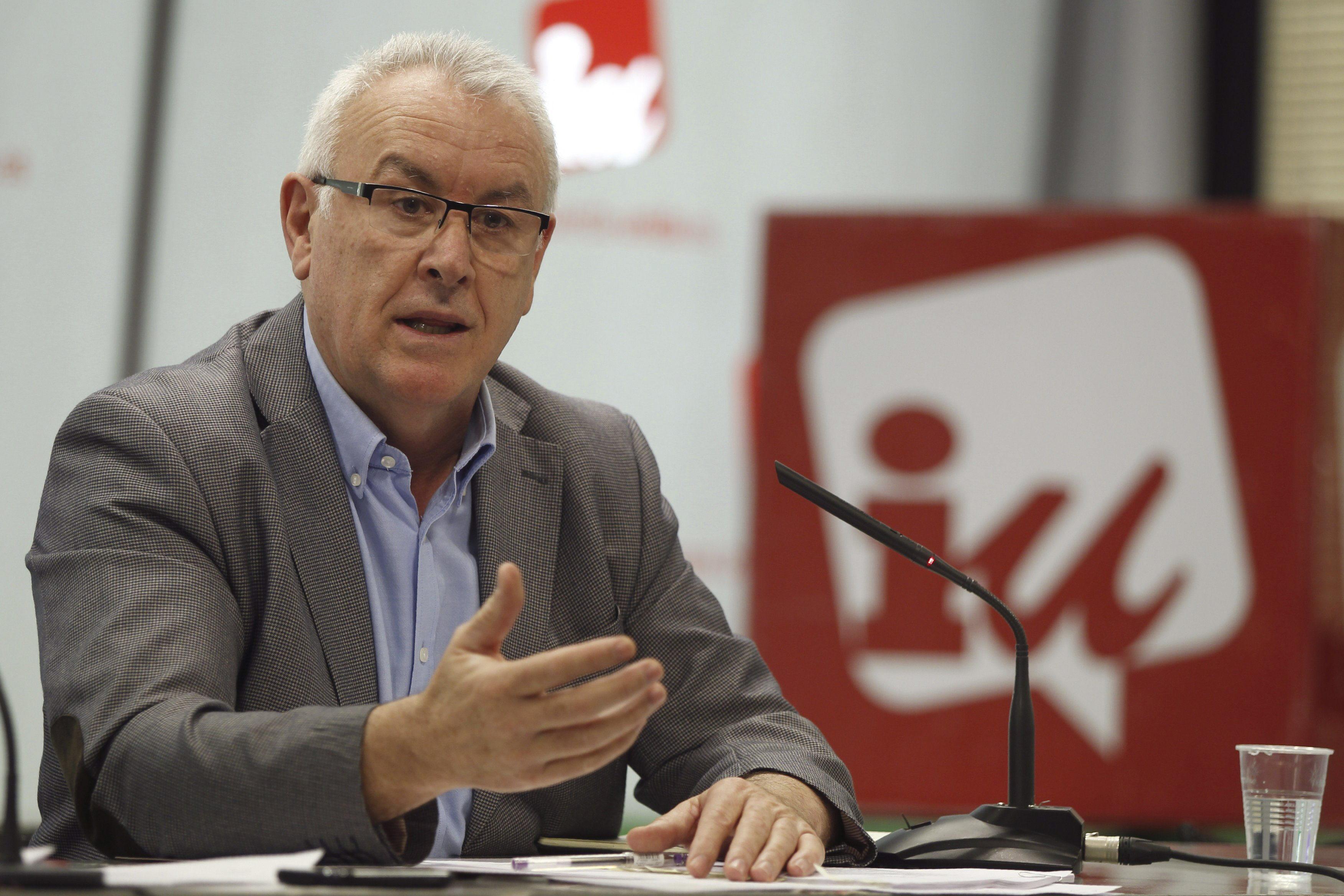 Cayo Lara: «Detrás de los casos de corrupción siempre hay un empresario»