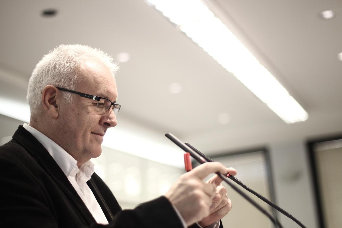 Cayo Lara insta a investigar por qué el Ayuntamiento de Sevilla tiene 528 viviendas vacías