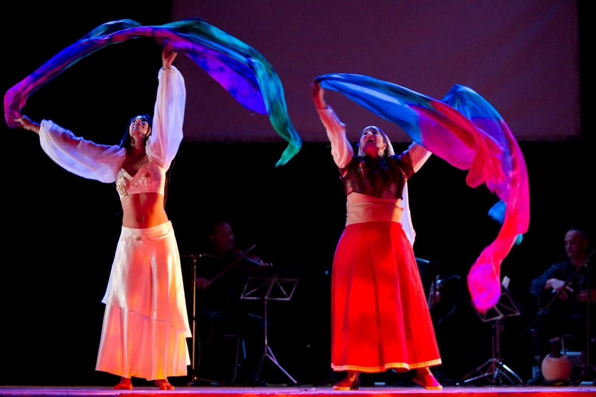 »Las 4 Esquinas» se suma al Día de la Danza con la representación en Mérida de »Yla y Lía. La puerta de las estrellas»