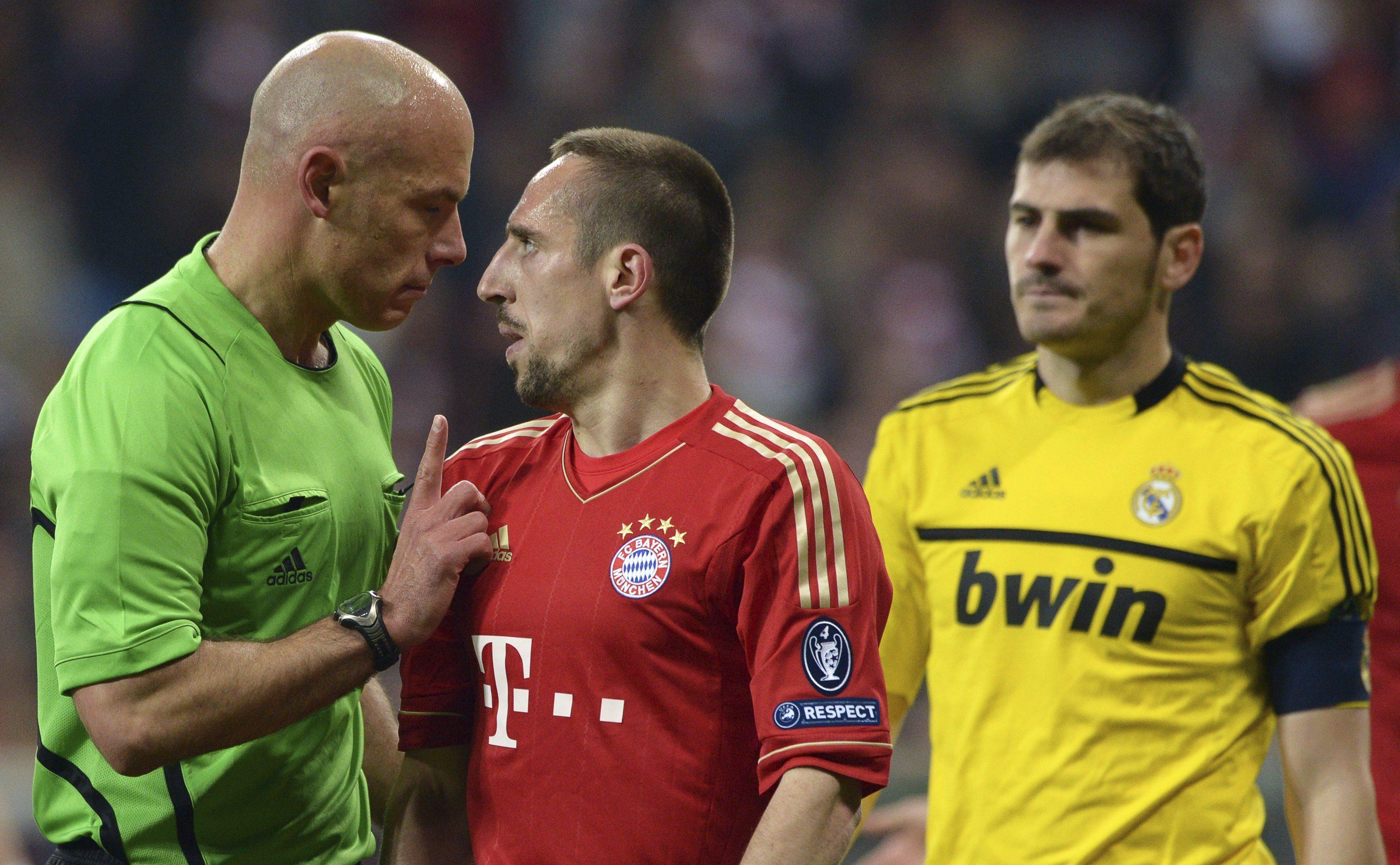 Howard Webb dirigirá el Real Madrid-Bayern Múnich