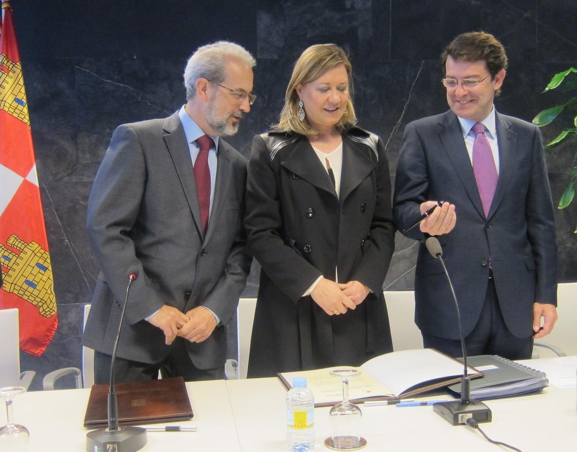 Del Olmo respalda a De Santiago-Juárez y confía en que Montoro «no pise callos» en la financiación autonómica