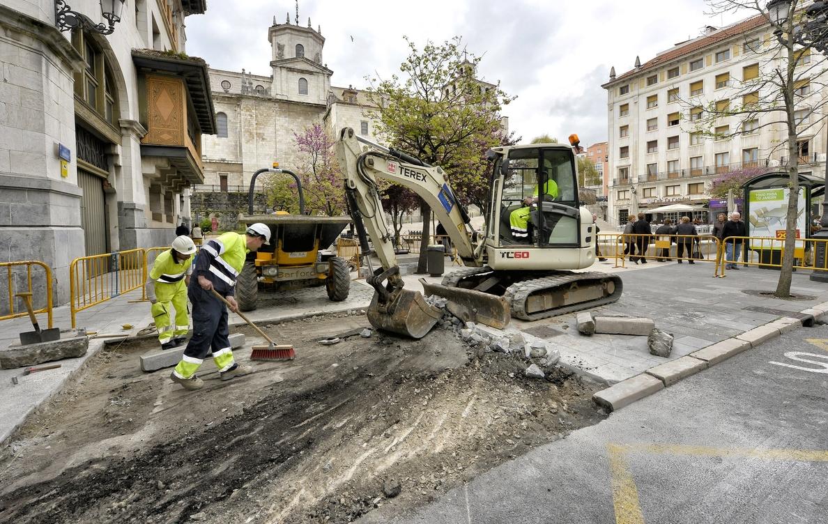 La Plaza de Alfonso XIII se cerrará al tráfico de forma definitiva a partir del jueves
