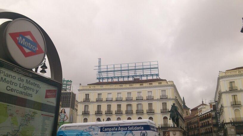 La Puerta del Sol amanecerá este martes con el popular cartel de Tío Pepe