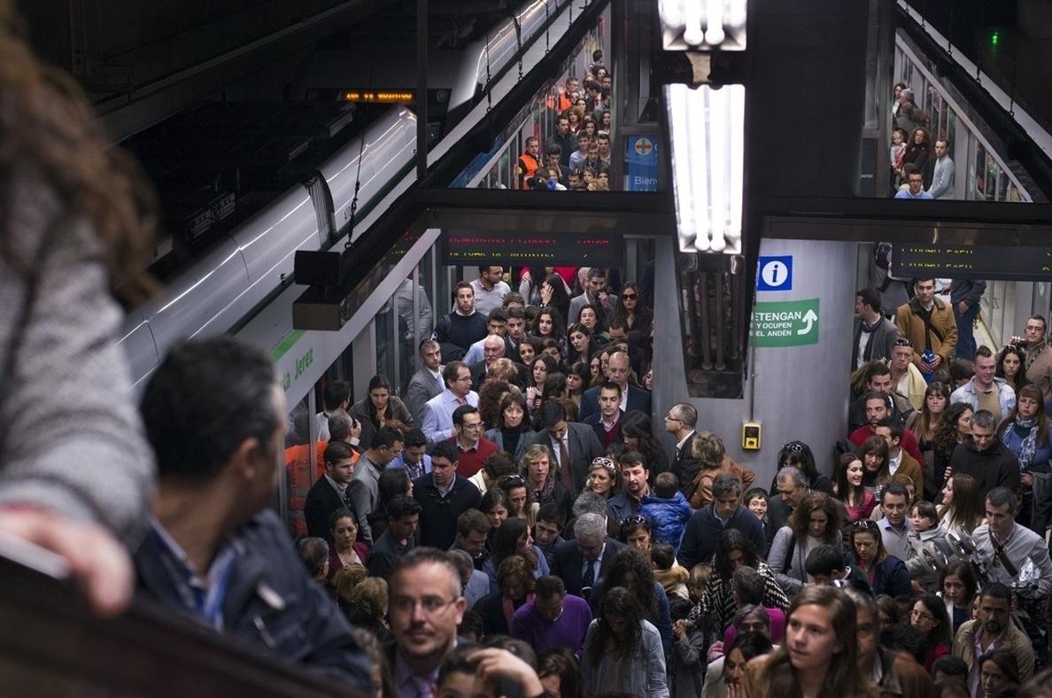 S.El metro registra 581.162 usuarios, la mayor afluencia en estas fiestas desde su puesta en servicio