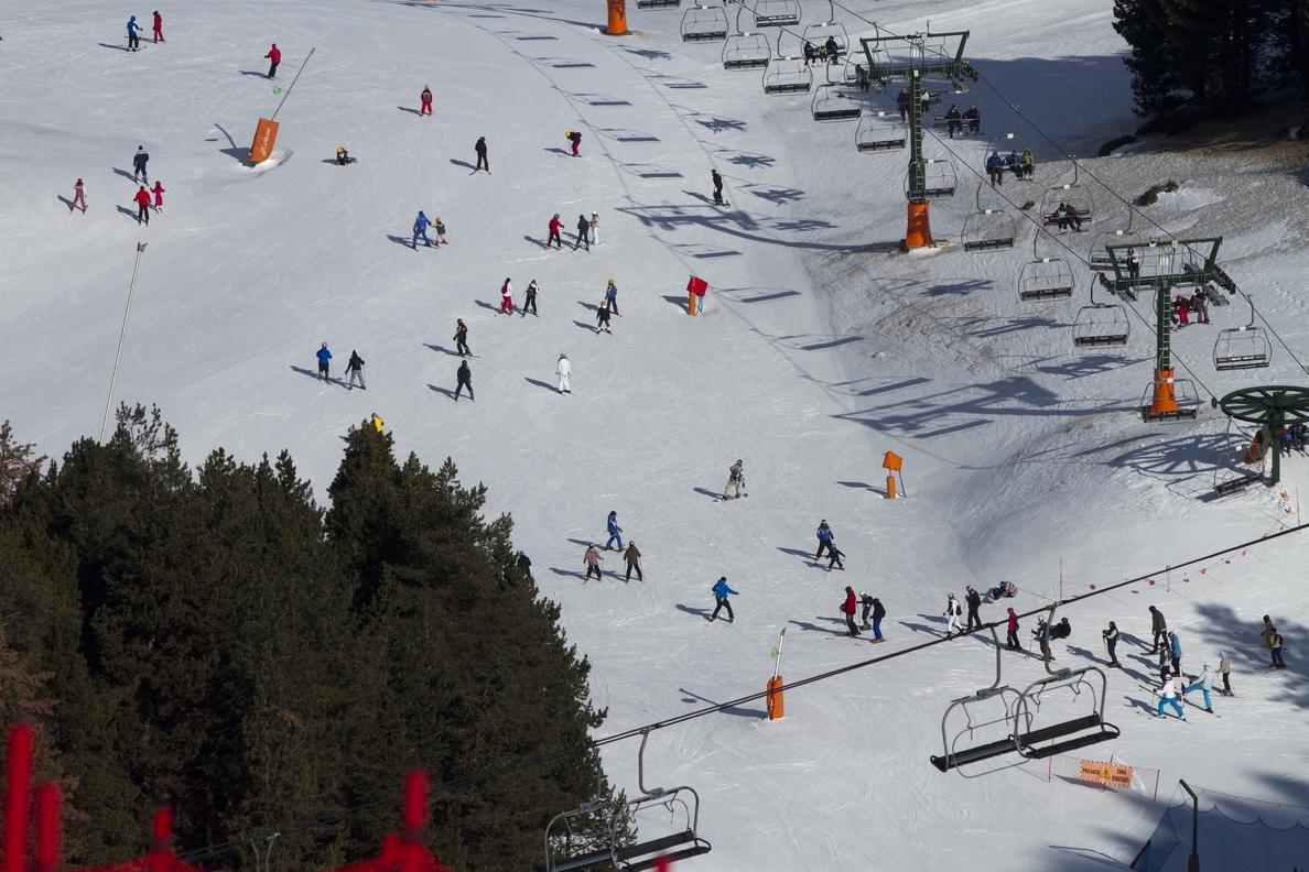 S.Las estaciones de FGC cierran la temporada con un aumento de esquiadores del 12%