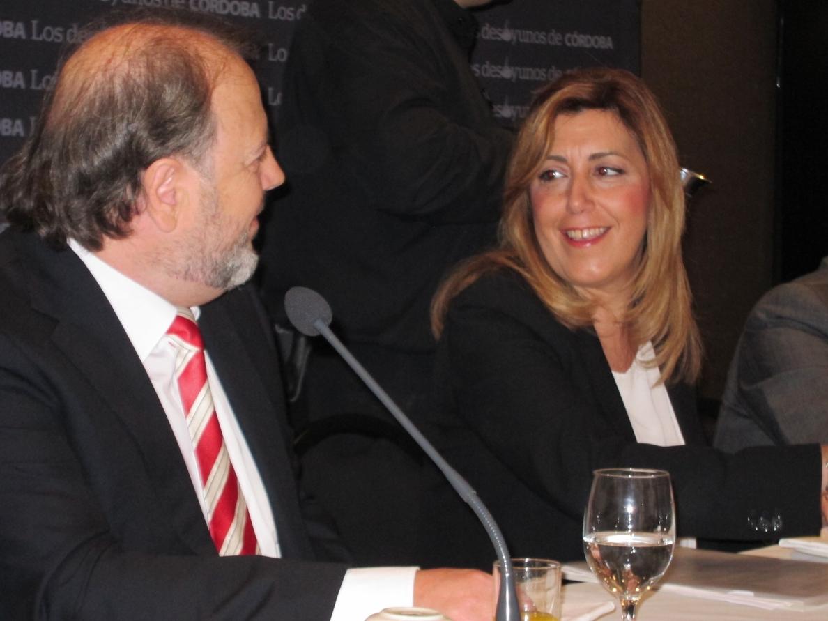 Susana Díaz recuerda que en Andalucía «presidenta solo hay una», aunque PSOE e IU compartan un proyecto en el Gobierno