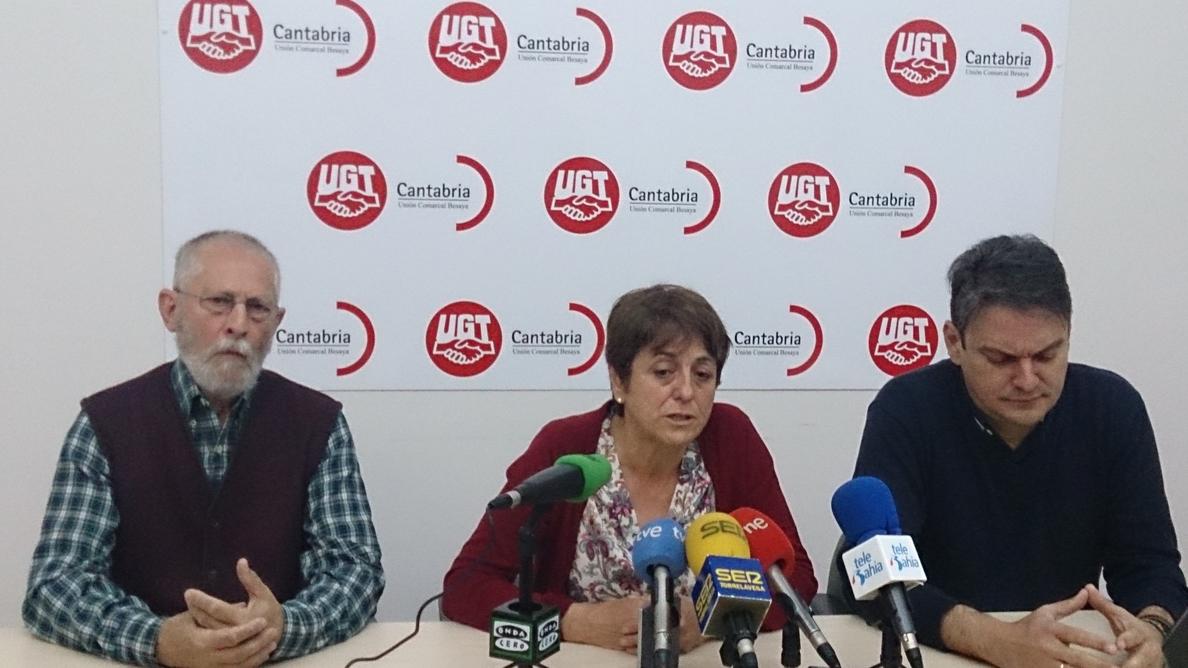 UGT, CCOO y Sindicato Unitario se manifiestan para forzar la suspensión del juicio de Sniace en la Audiencia