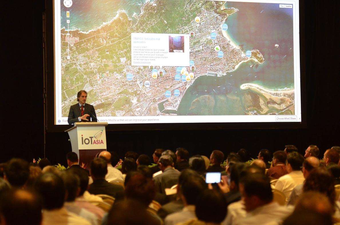 El alcalde se reúne con multinacionales tecnológicas en Singapur para tratar de captar inversiones