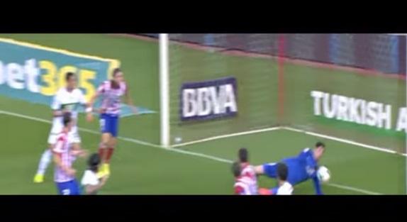 Courtois salvó dos veces en un minuto al Atlético ante el Elche