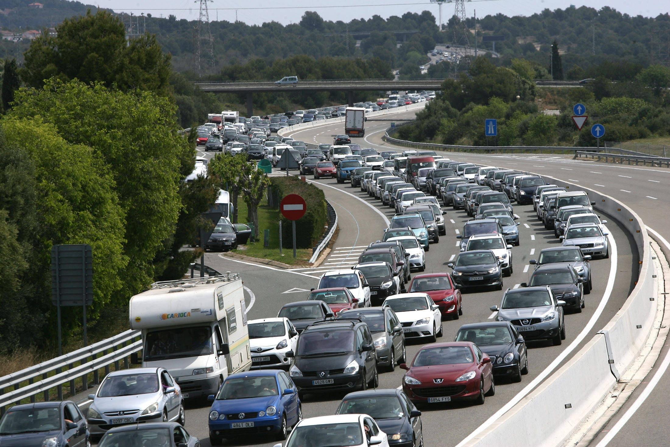 La cifra de muertos en carreteras asciende a 32 hasta la pasada medianoche