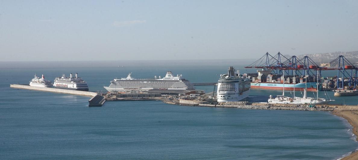 El puerto recibe este martes seis cruceros con más de 6.000 pasajeros