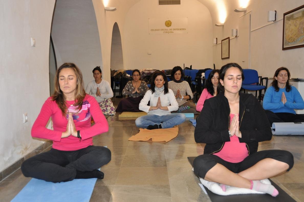 El yoga reduce los síntomas del estrés postraumático en las mujeres