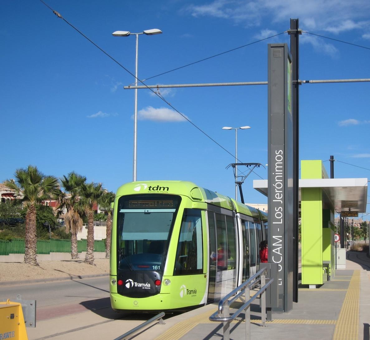Habrá servicio de tranvía cada 15 minutos durante el día del Bando de la Huerta