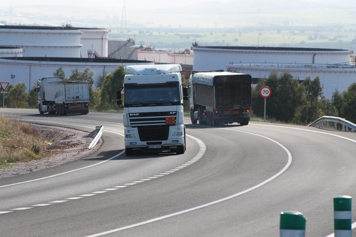 Un total de 13 transportistas autónomos abandonan la actividad en Murcia en el primer trimestre del año, según UPTA