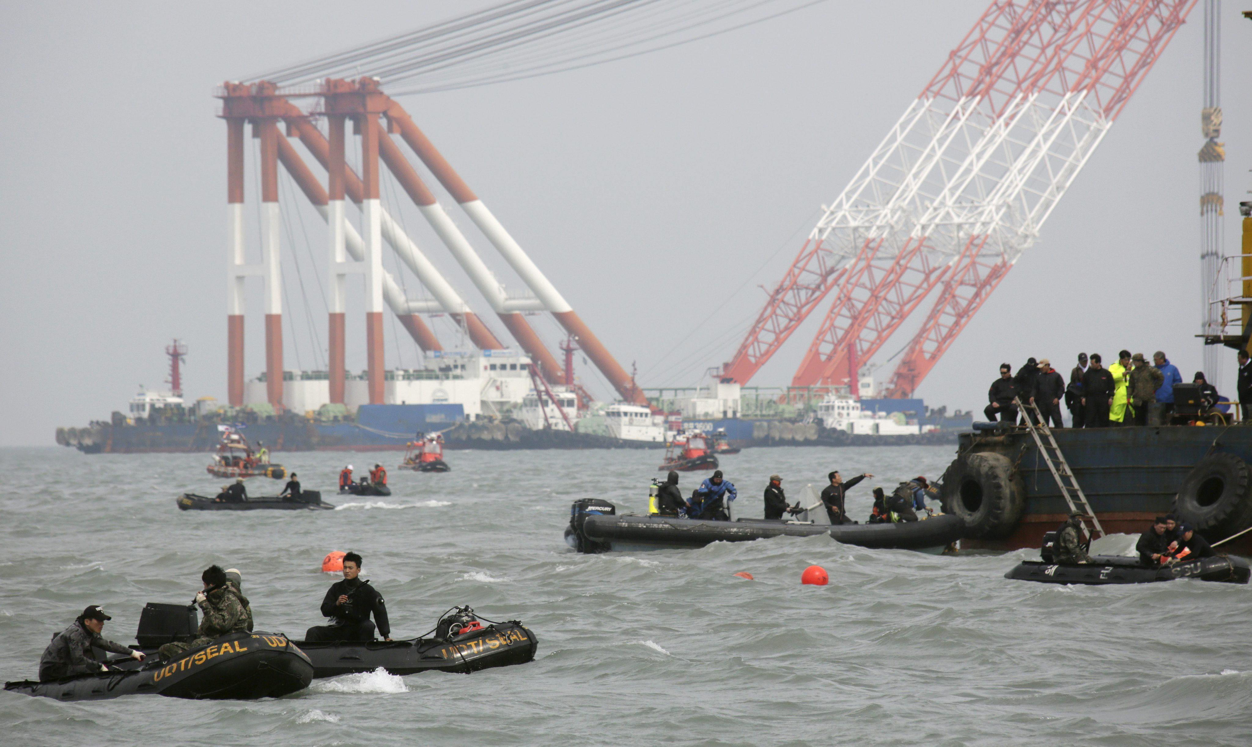 Aumenta a 92 el número de fallecidos del Sewol y 210 siguen desaparecidos