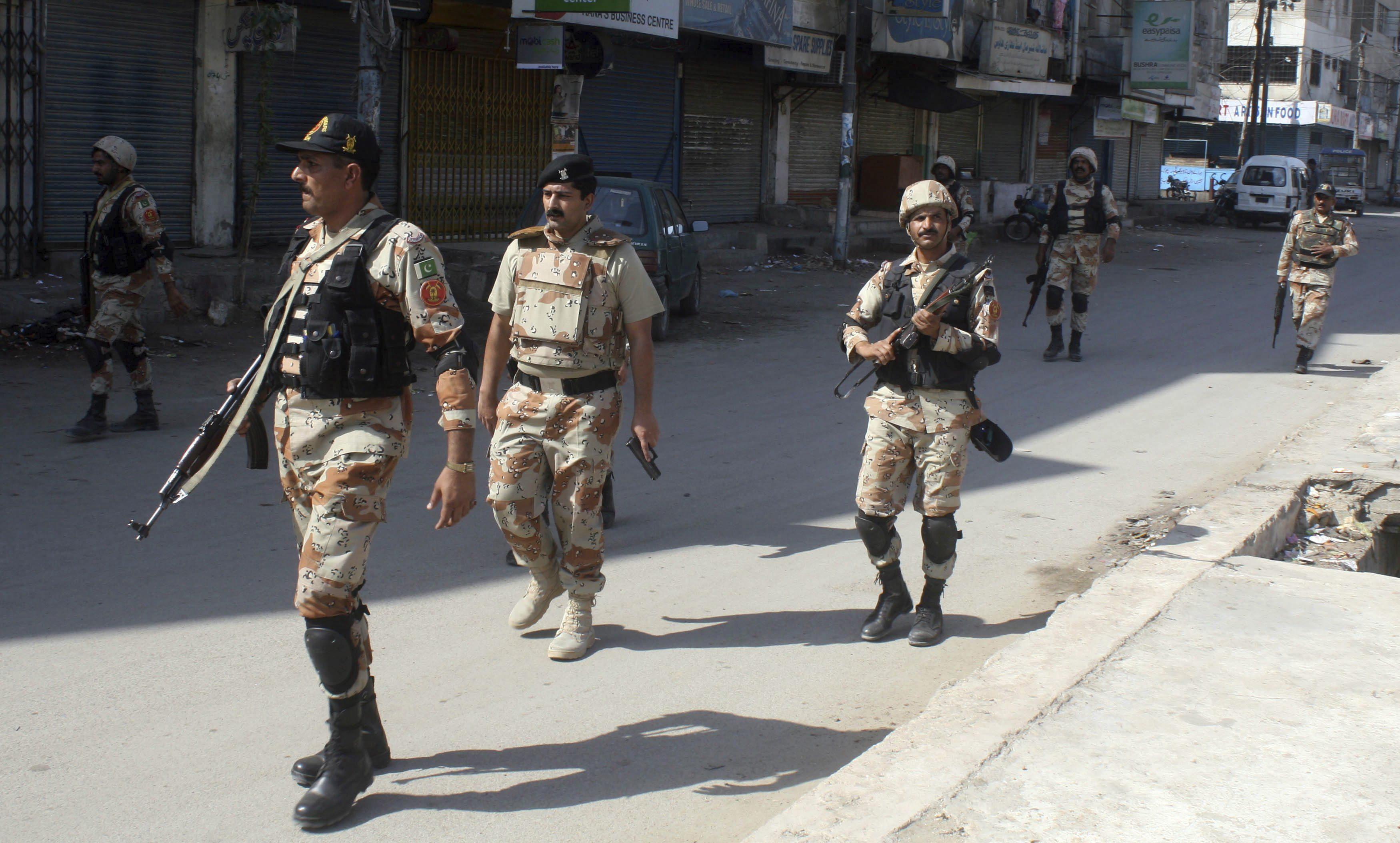 Mueren ocho personas en dos ataques contra la Policía en el noroeste de Pakistán