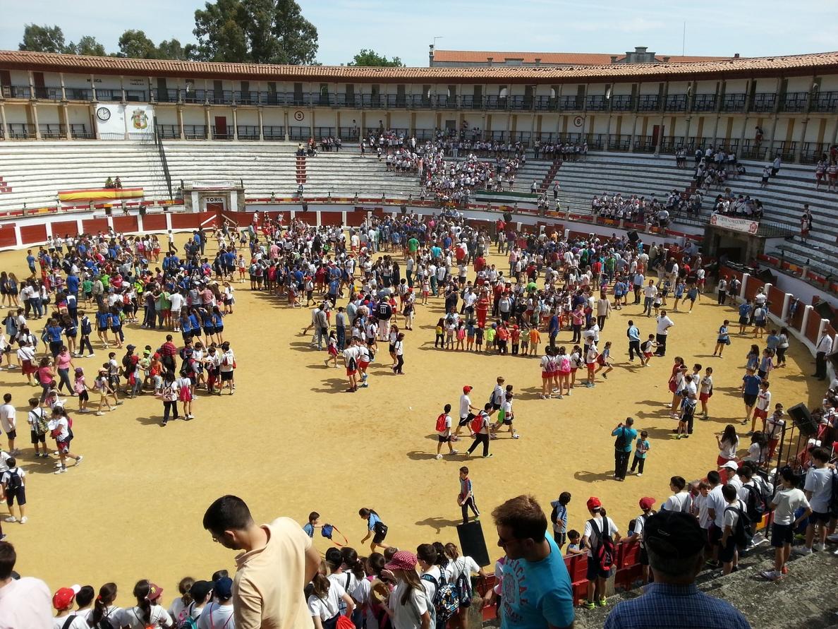 El diestro Antonio Ferrera participa en un tentadero público ante 4.000 personas en Cáceres