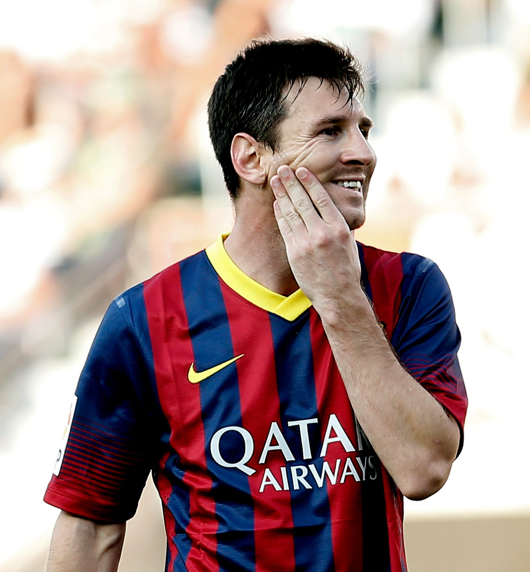 Messi gana en un mes y medio lo mismo que un español a lo largo de su vida