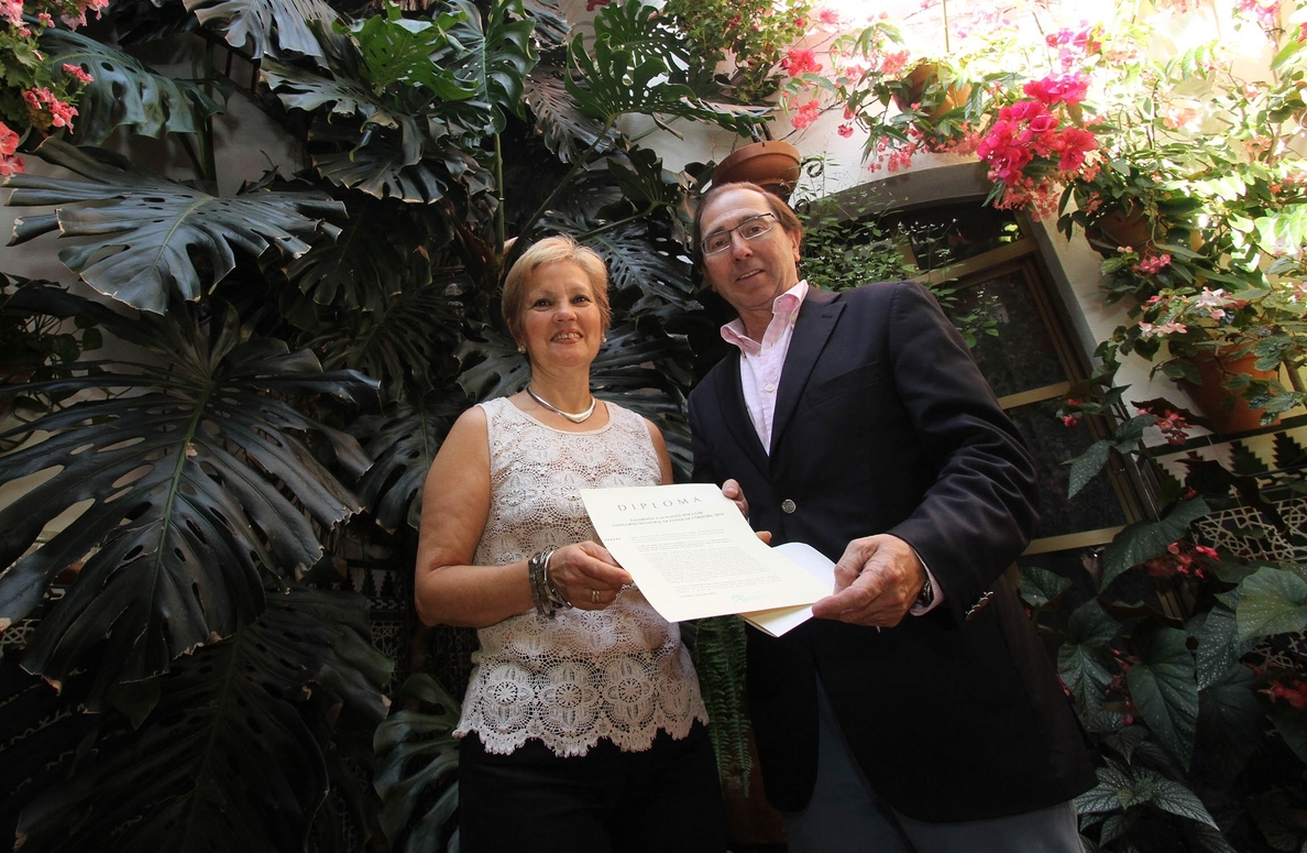 El Imgema otorga el premio a la Planta Singular al patio de la calle Parras, número 5