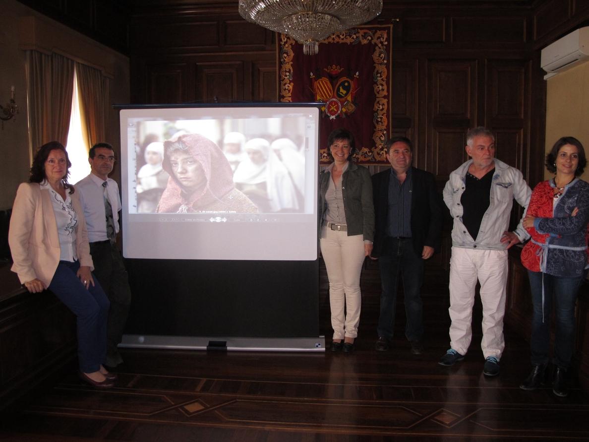 Ángel Mallén gana el I Torneo Fotográfico »Teruel Ciudad del Amor» con la imagen »El vacío»