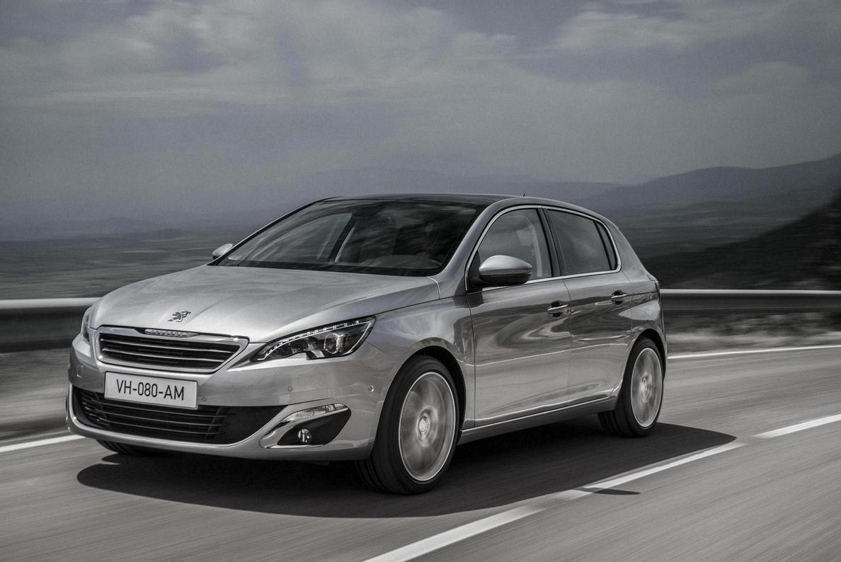 Peugeot recibe el premio Coche del Año en Europa 2014