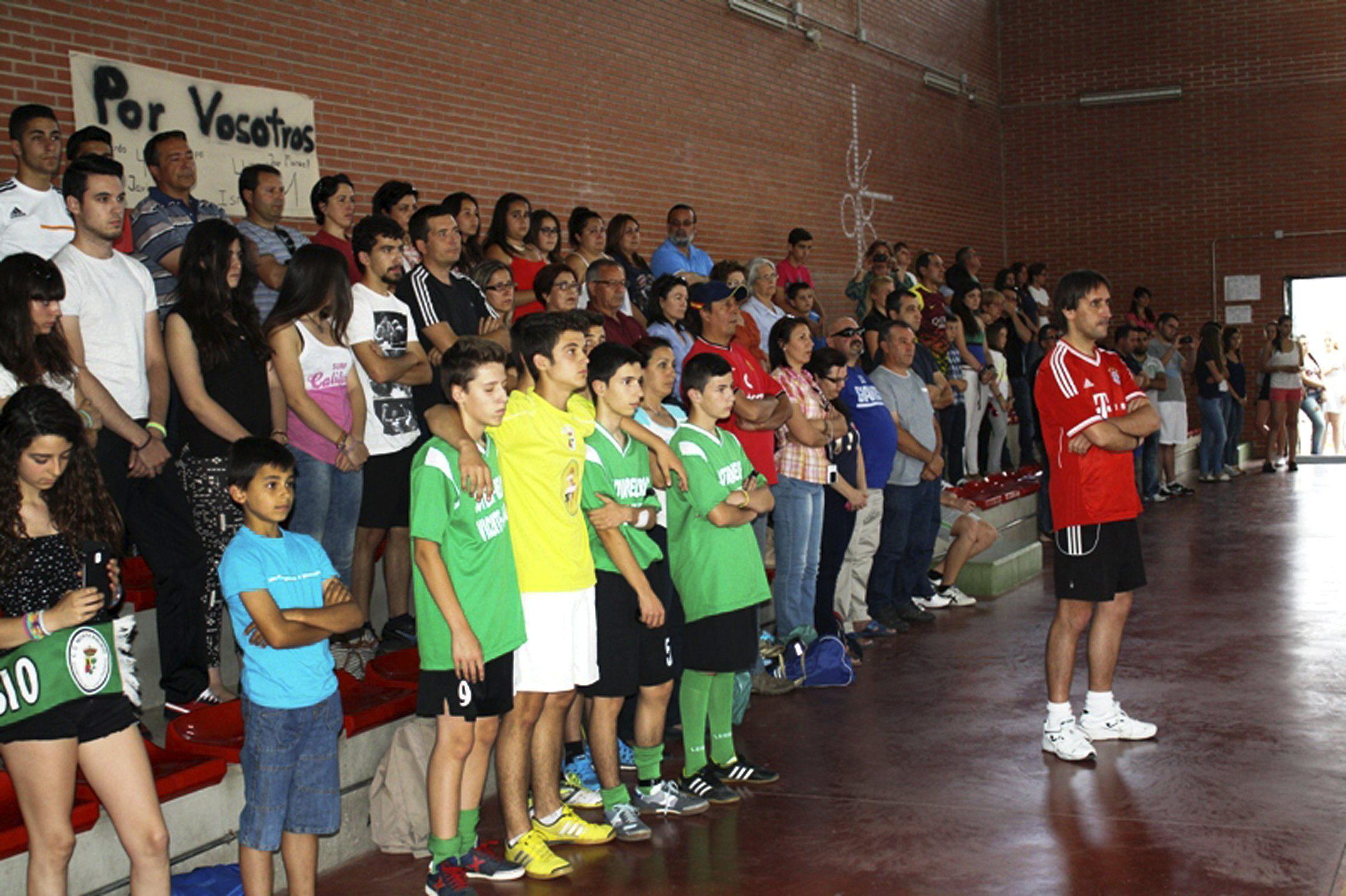 El CD Monterrubio regresa al fútbol tras el trágico accidente de autobús