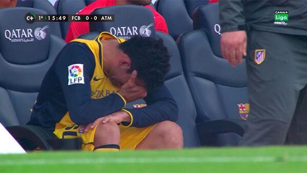 Diego Costa se lesiona y se retira llorando del campo