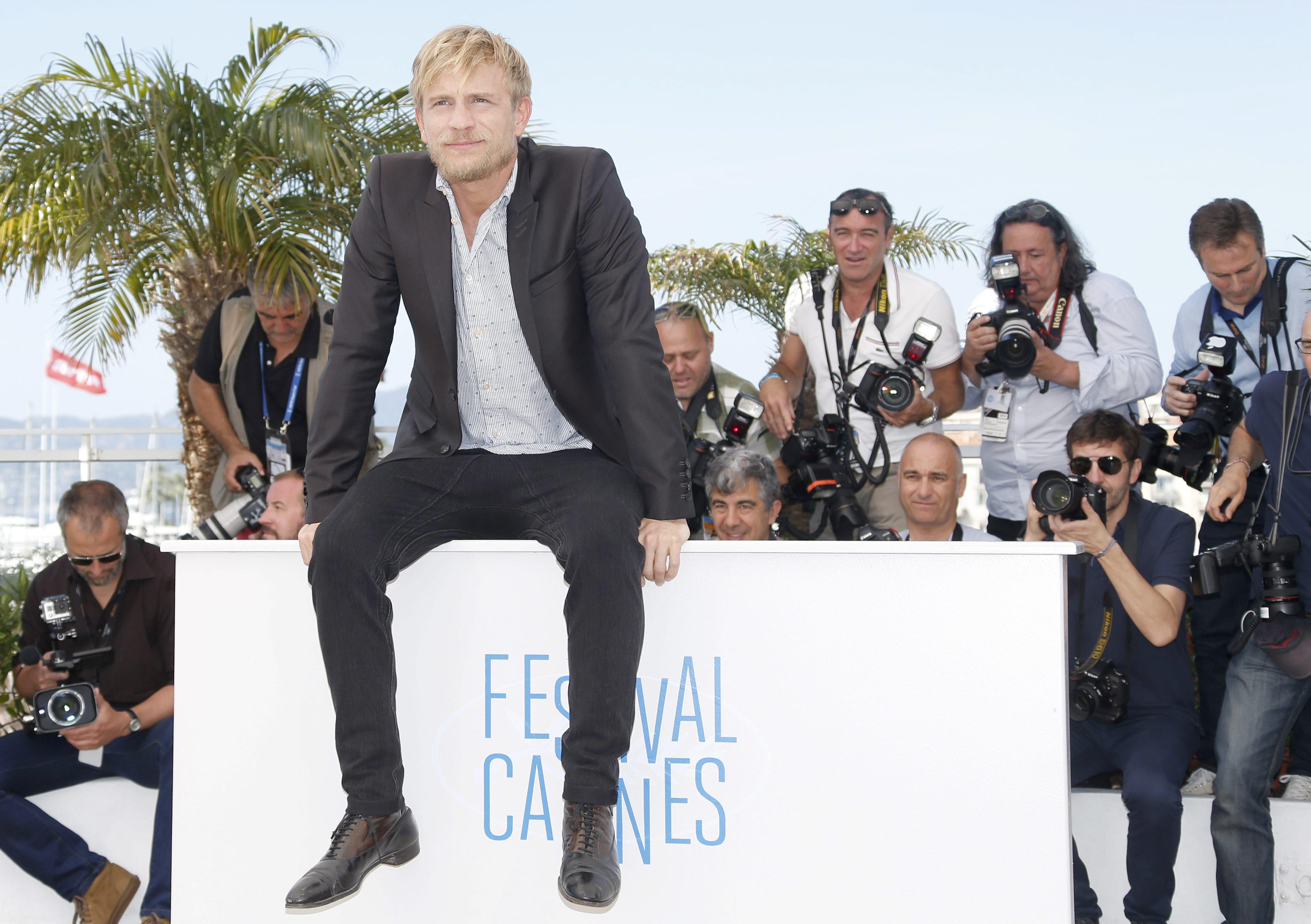 El genio de Saint Laurent revive en Cannes en un filme excesivo
