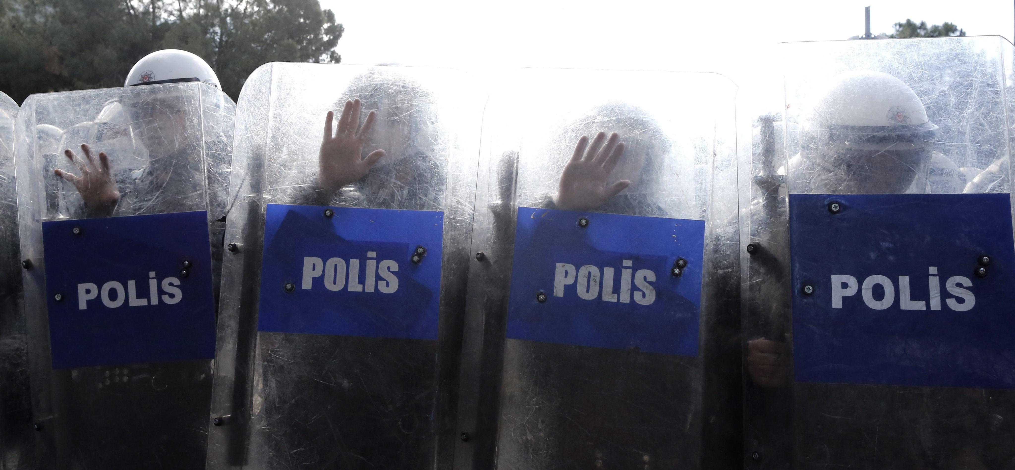 Detienen a 18 personas relacionadas con la tragedia minera de Soma en Turquía