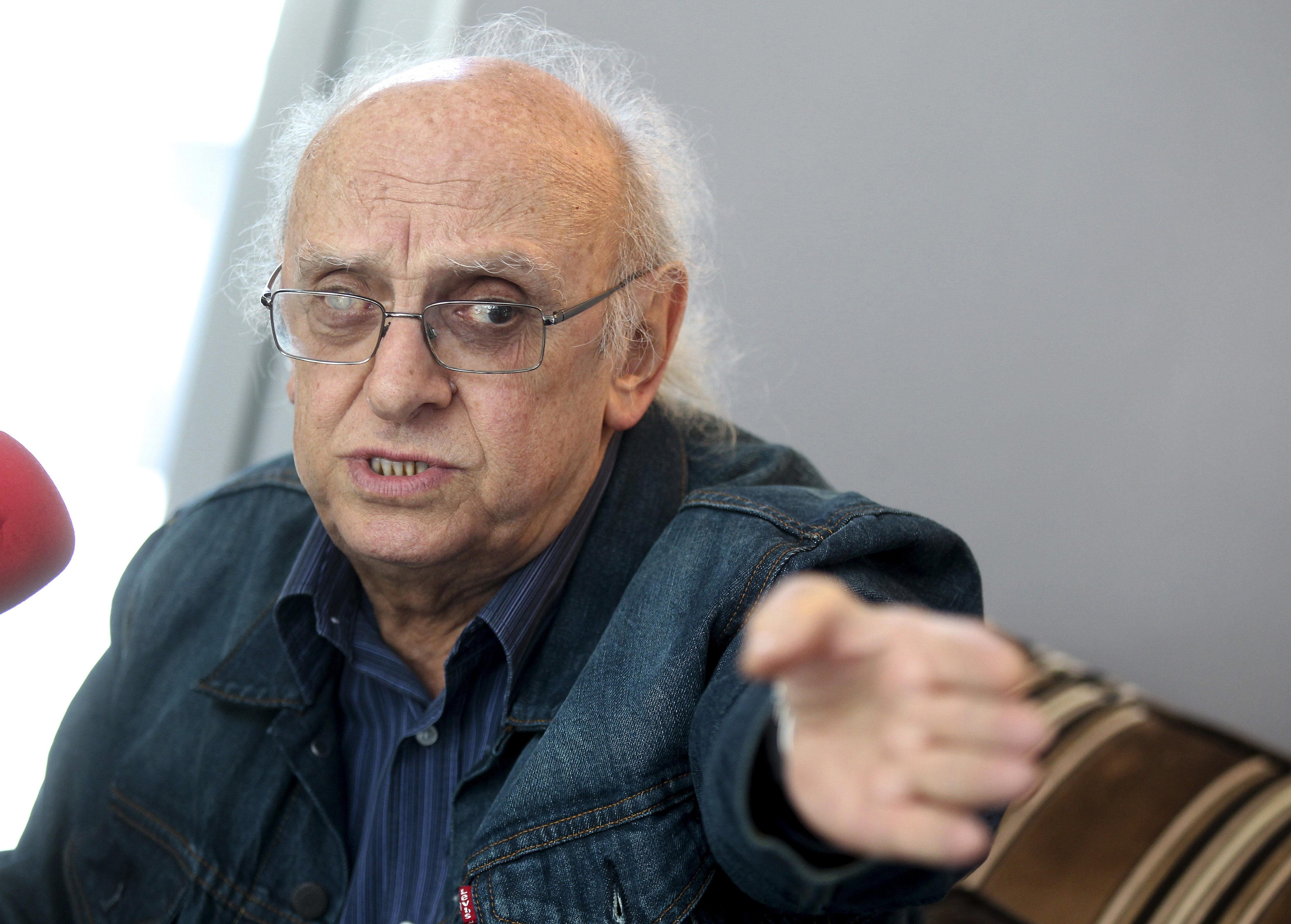 Márkaris dice que la cultura es el plato principal pero los políticos no lo entienden