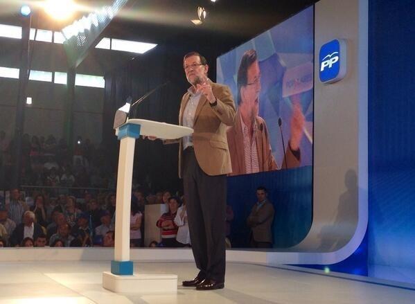 Rajoy defiende a Cañete «lisa y llanamente como el mejor» candidato por su «servicio» a España