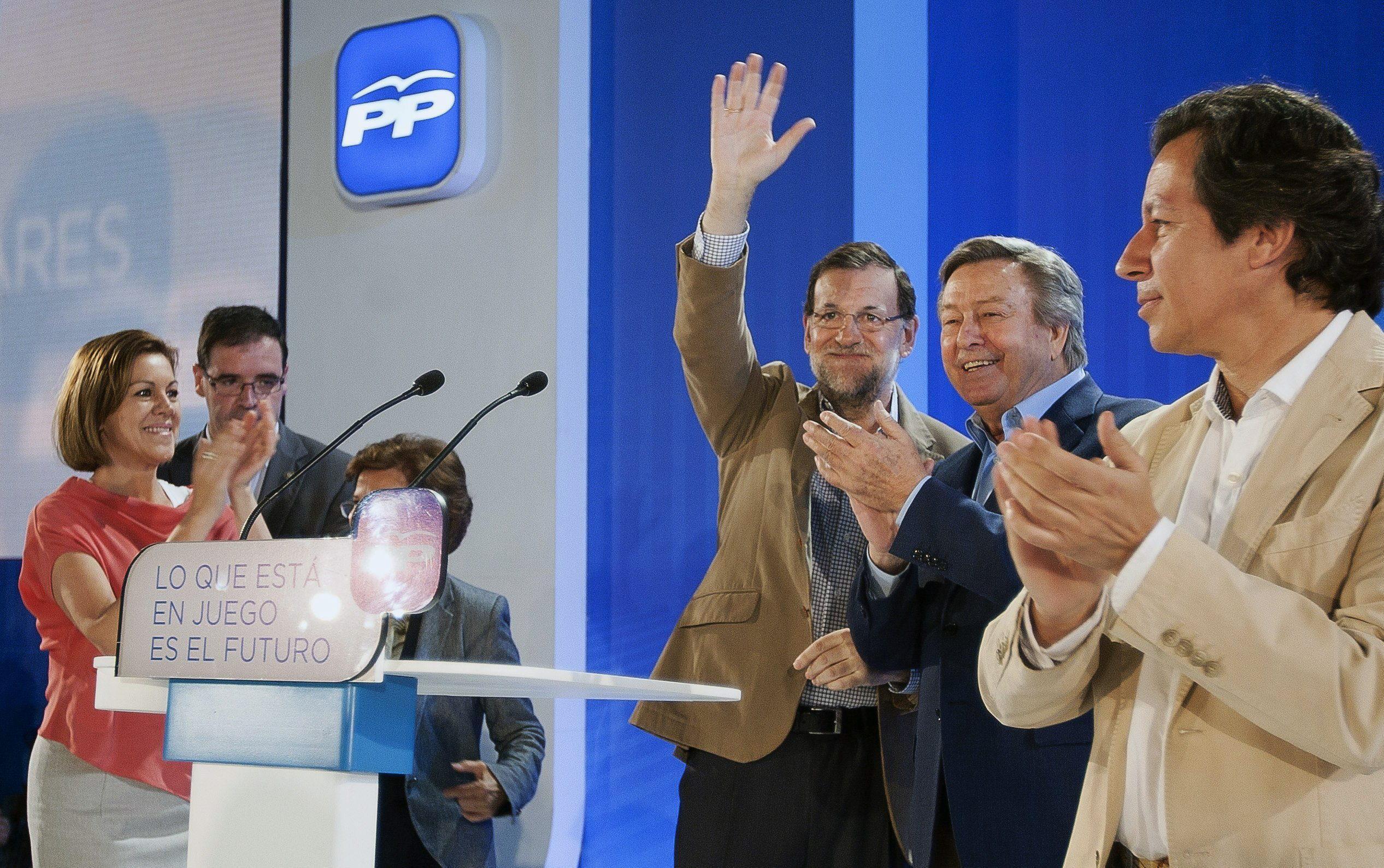 Rajoy agradece a Cospedal su labor en el PP y la ve largo tiempo en la Junta