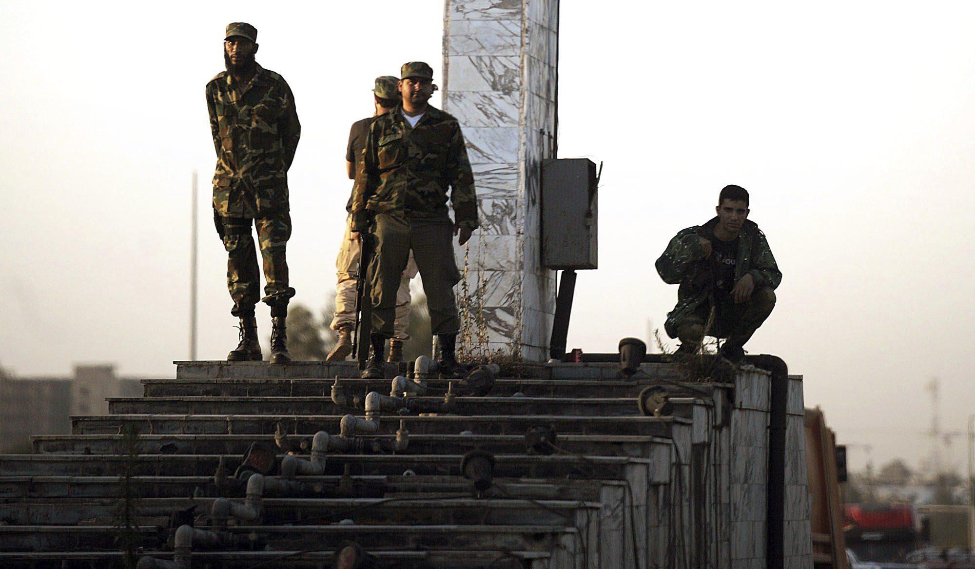 Una milicia armada ocupa el Parlamento libio tras un intenso tiroteo