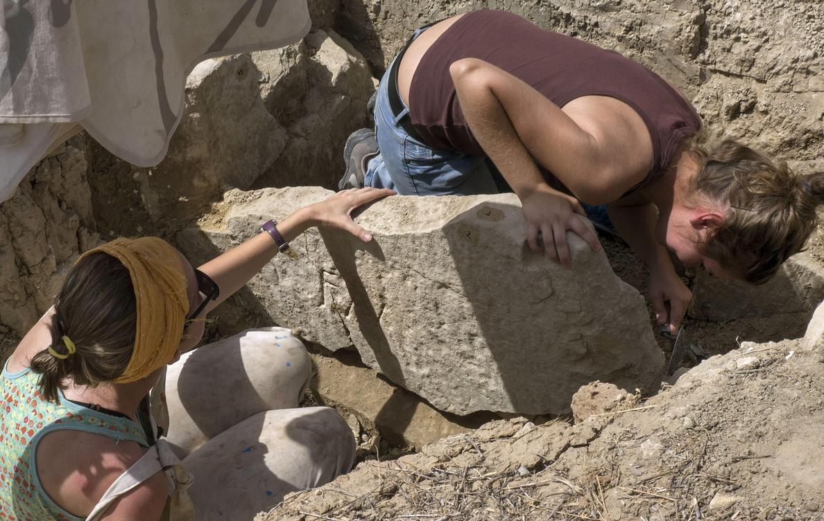 Sacan a la luz ocho nuevas tumbas romanas en Cástulo