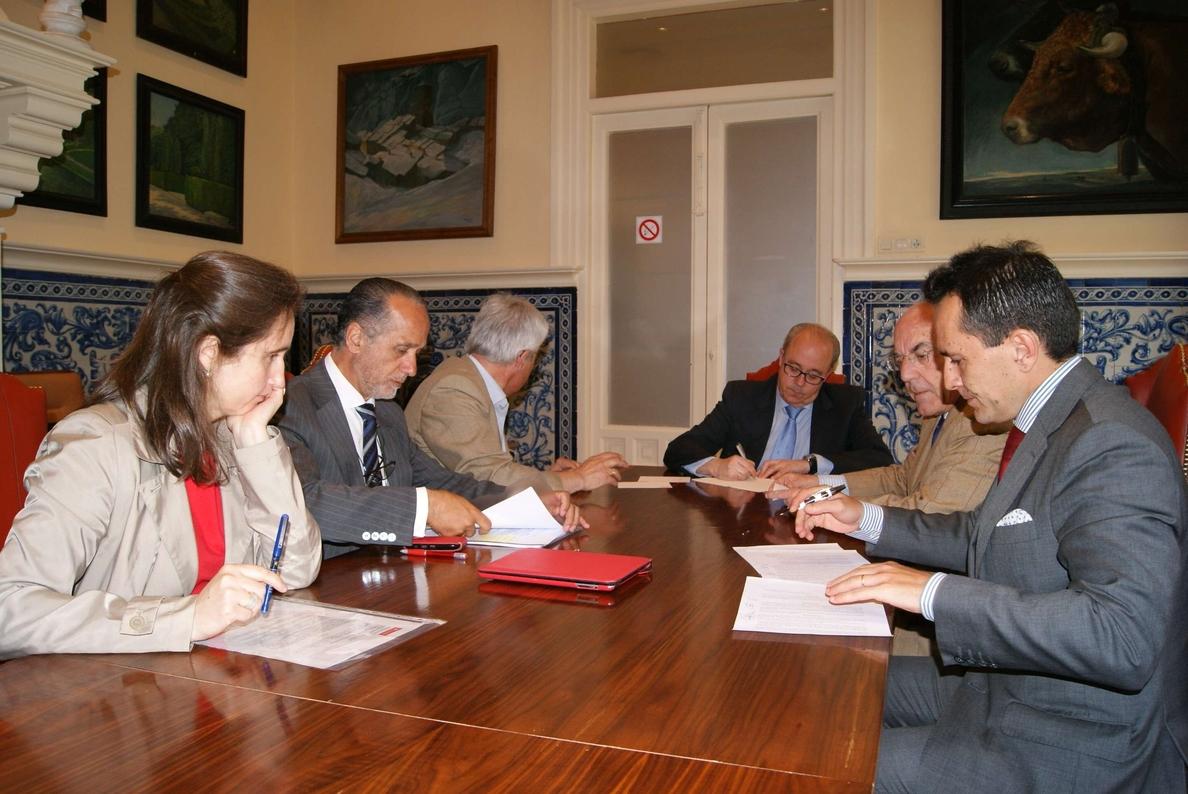El Banco Santander pone fin al »caso Evisego» con el abono al Ayuntamiento de Segovia de 311.000 euros de un doble pago