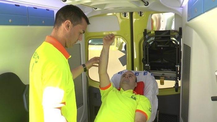 Crean un método pionero para identificar a los ictus más graves en la ambulancia