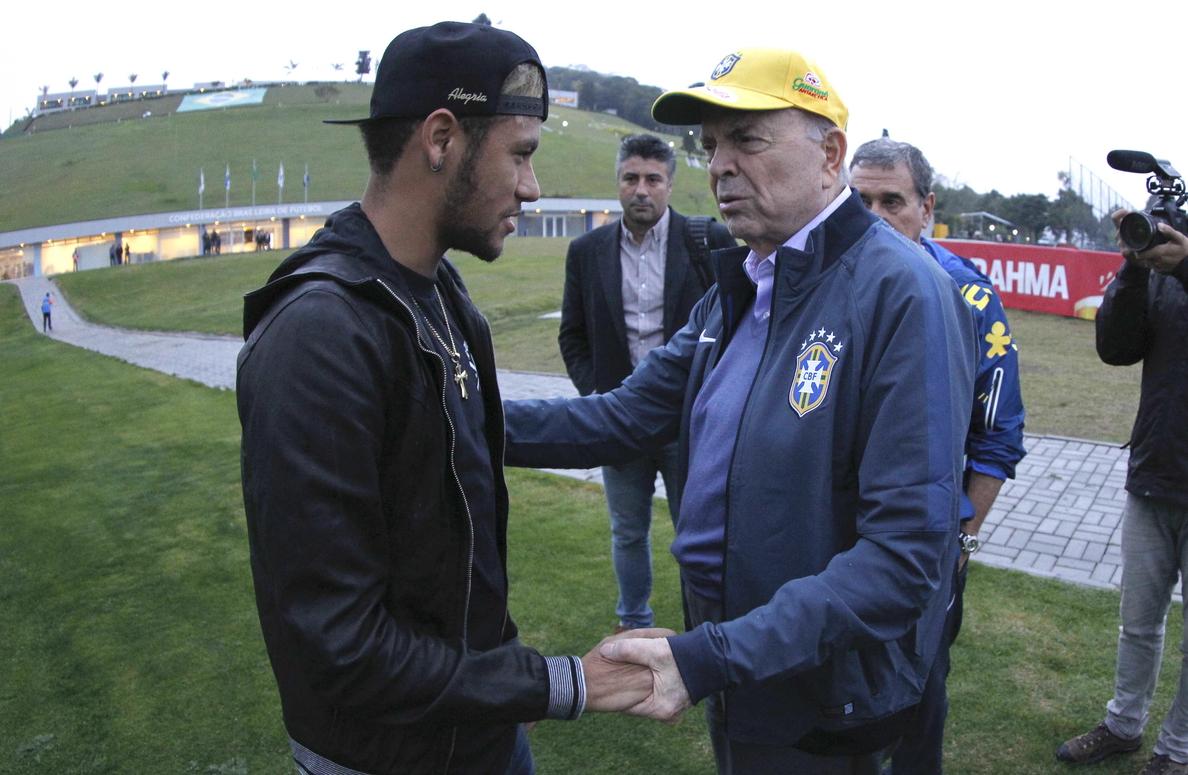Neymar afirma que animará a Argentina en especial por Messi, quien «merece ser campeón»