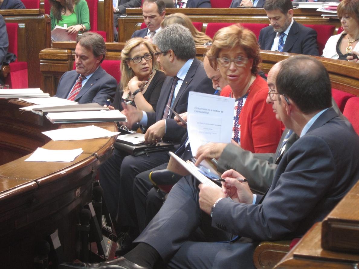 La consejera de Educación catalana ve como una «multa» el decreto de escolarización en castellano