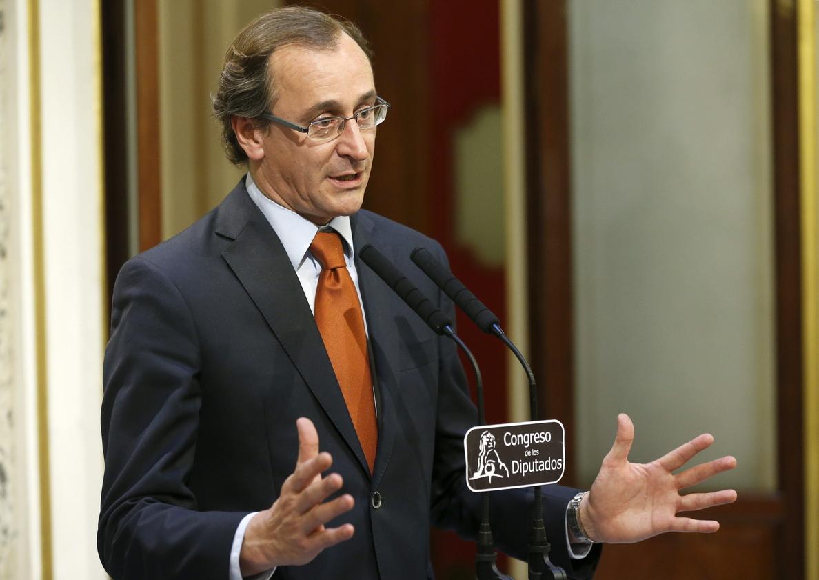 Cospedal espera contar con Sánchez y garantizar los principios básicos del país